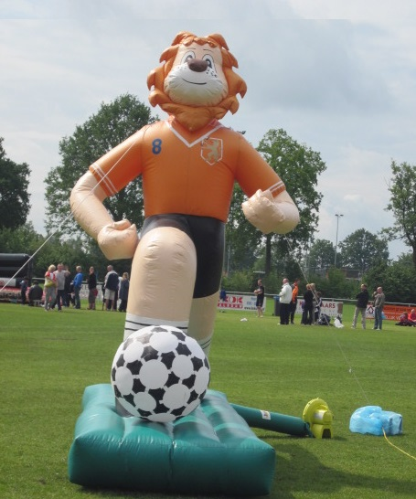 voetbal leeuw opblaasbaar